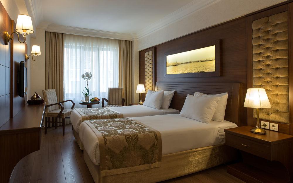 The Basics Of A Good Hotel Room Design Interior Design