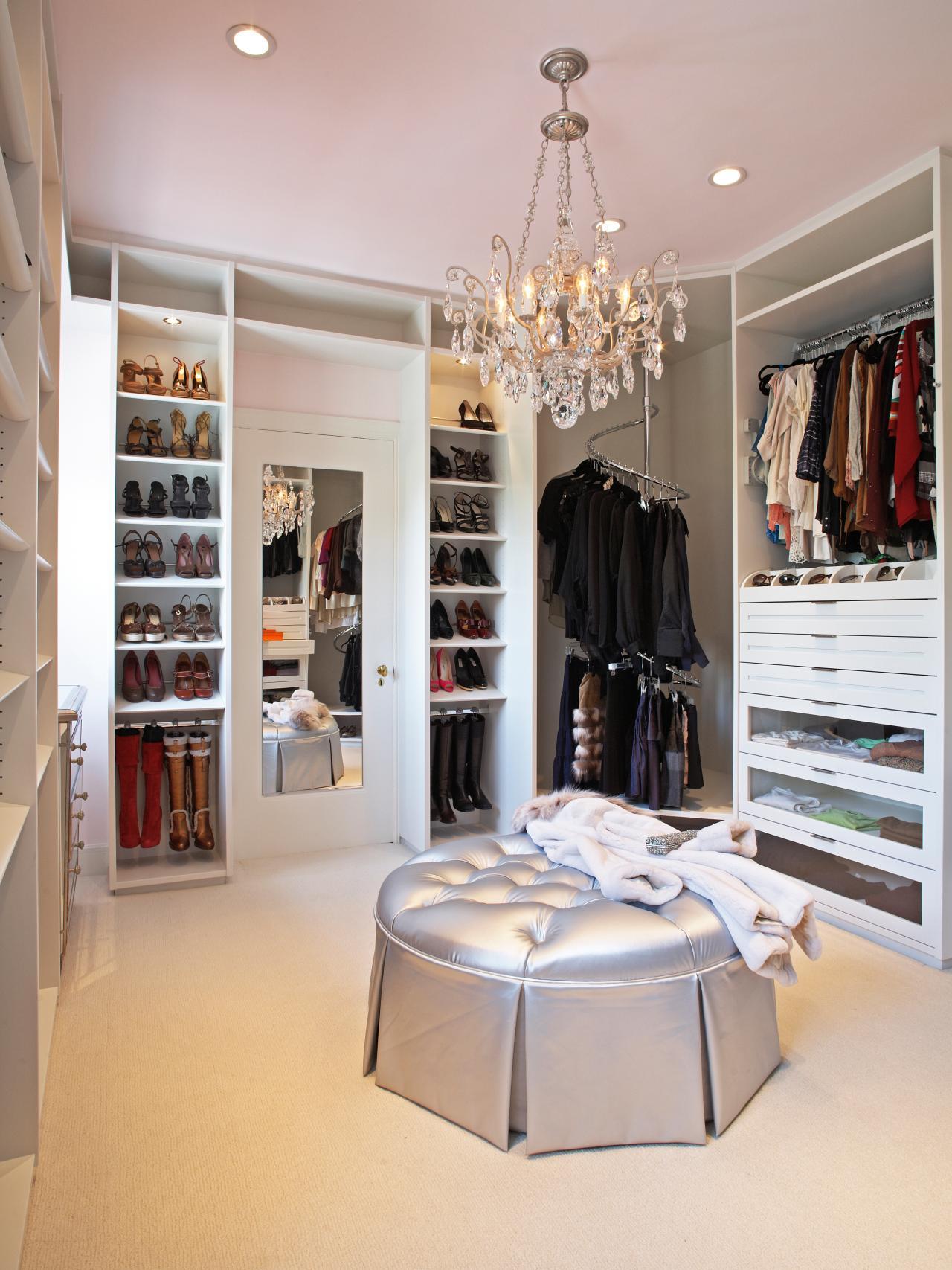 Walk In Closet In All Its Glory Interior Design Paradise
