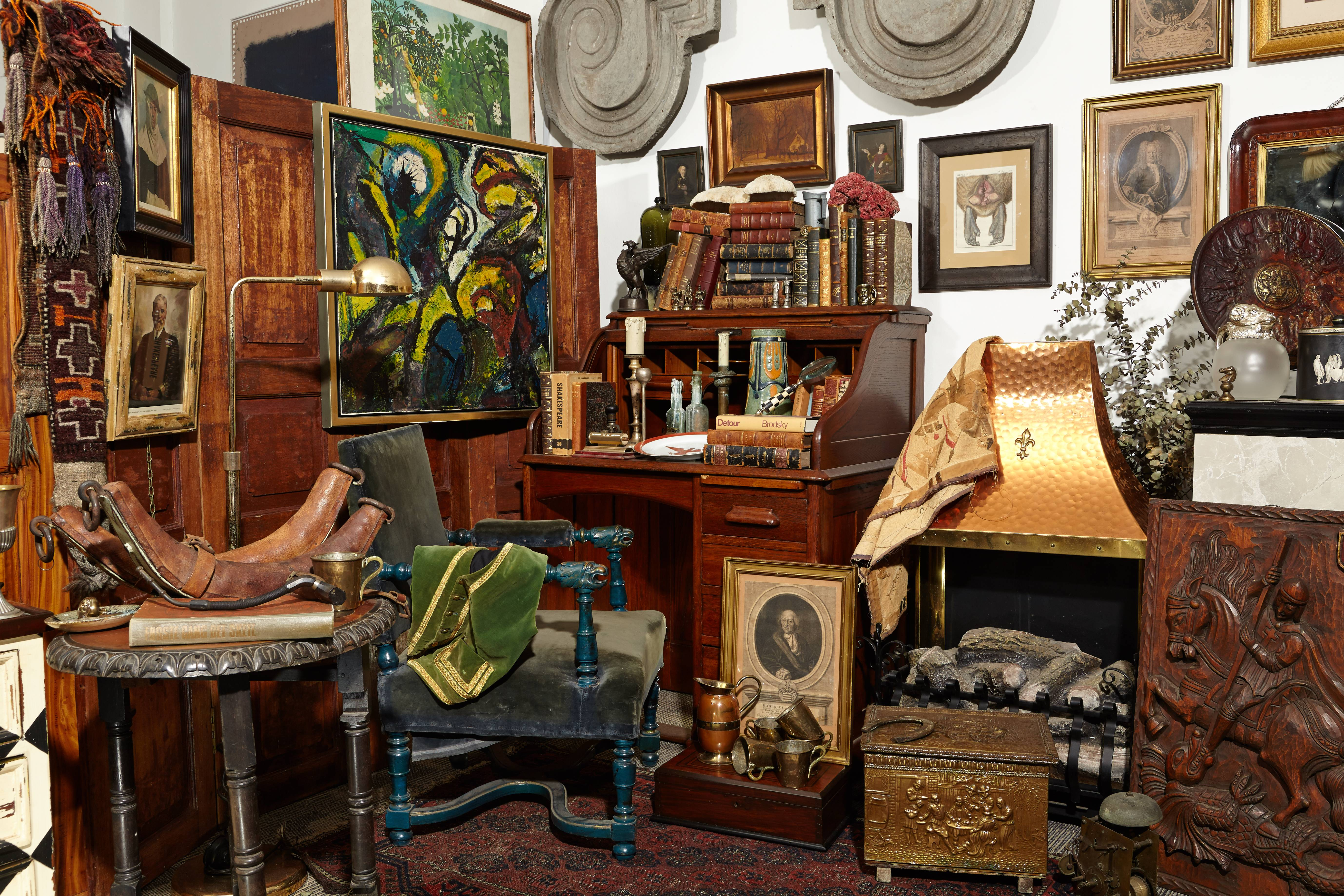 Messy Vintage Study Room Interior Design Mag
