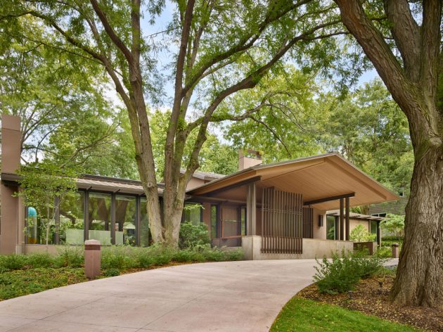 Mid century modern home exterior ideas for classic environment for Mid century modern exterior