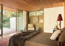 Luxury Glass Sliding Doors To Design A Modern Bedroom