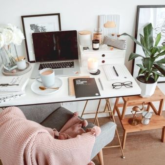 Cozy Home Office Ideas For Girls That Will - Isabellestyle.com