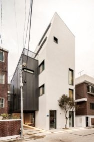 Facade House ⊶ Via Post.naver #FacadeArchitecture