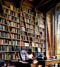 Inspiration Bookshelf By Gianni Botsford ⊶ Via Apartmenttherapy #HomeLibraryDesign