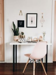 Minimalistisches Home Office Dekor In Rosatne - Fashionbeauty.site