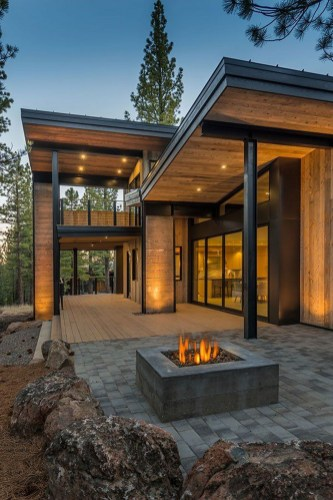 Mountain Retreat Blends Rustic Modern Styling - Via Onekindesign