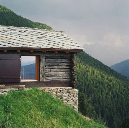 unique_cabins_in_the_woods_23(1)