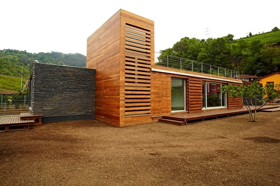 Attractive-and-Sustainable-Spanish-Home-by-Zwei-Estudio-Creativo3