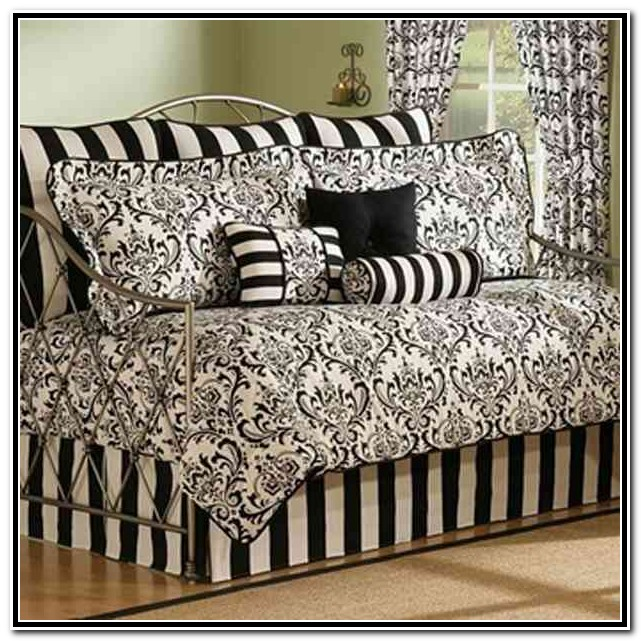 20 Reasons To Buy Black Daybed Bedding Sets Interior