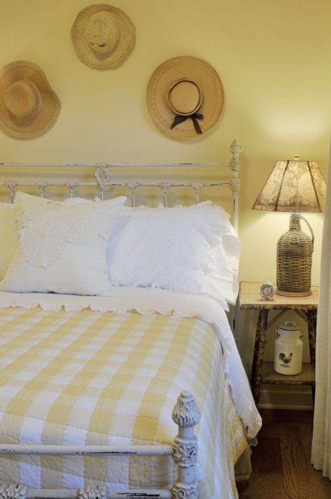 20 Farmhouse Bedroom Design Ideas   Interior God on Small:gr1Vspvqs9Y= Bedroom Ideas  id=96726
