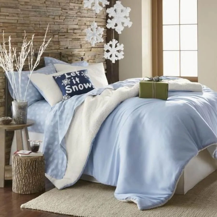 Dreamy Christmas Themed Bedrooms You'll Love to Fall Asleep In on Bedroom Decor  id=80663
