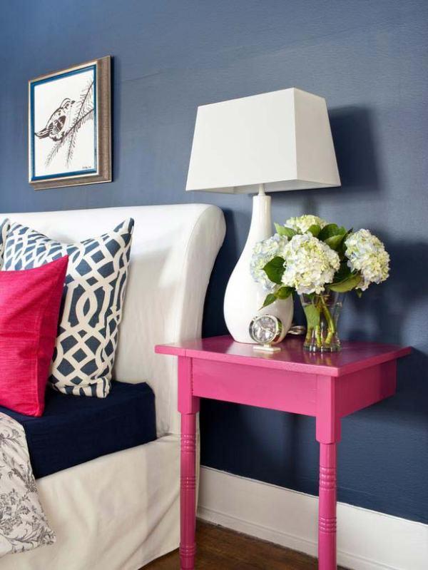 Прикроватные столики для спальни | Фото красивых интерьеров