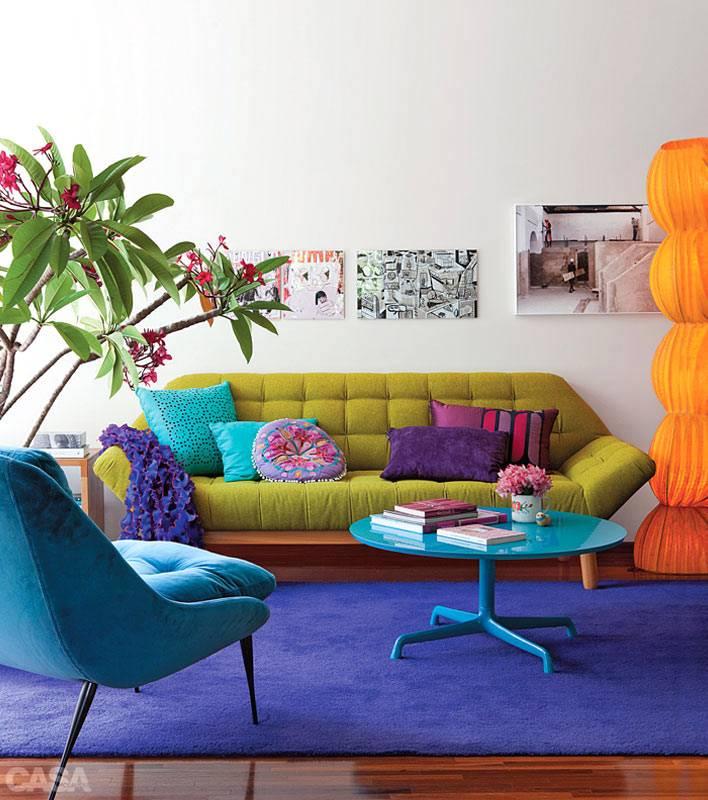 яркий дизайн интерьера гостиной комнаты
