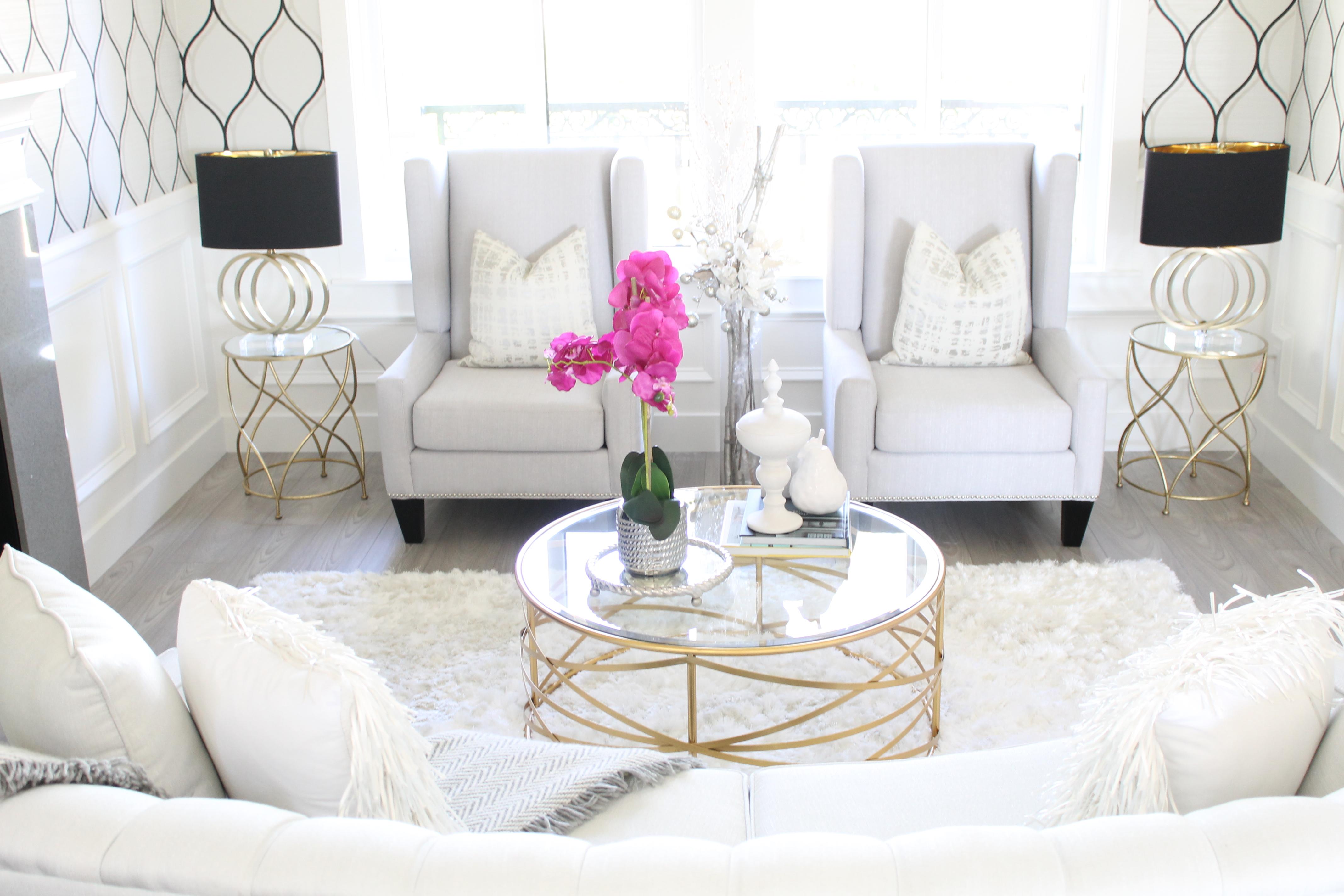 Glam living room. interiorloveaffair.com