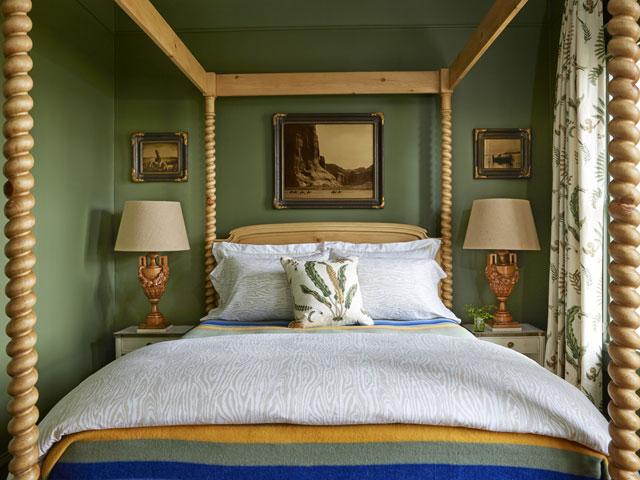Alligator Alley Green Bedroom
