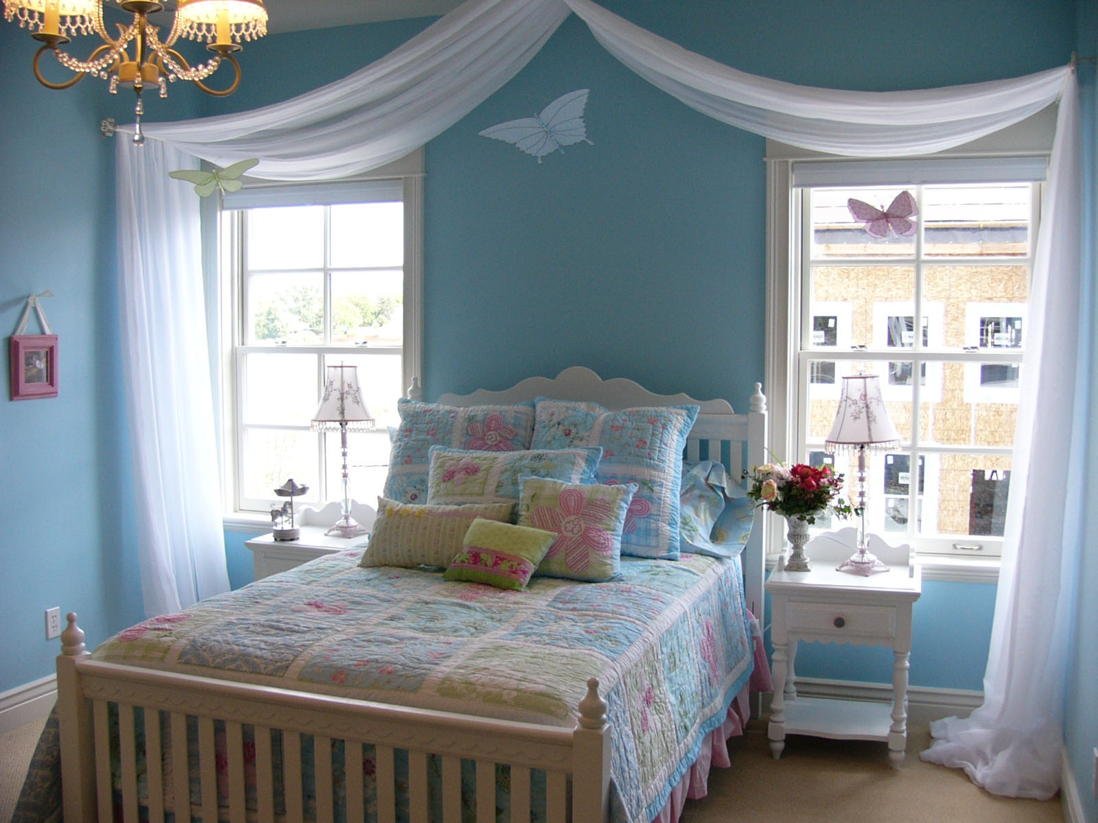 37 Unique and Super Colourful Bedroom Curtain Designs and ... on Bedroom Curtain Ideas  id=82032