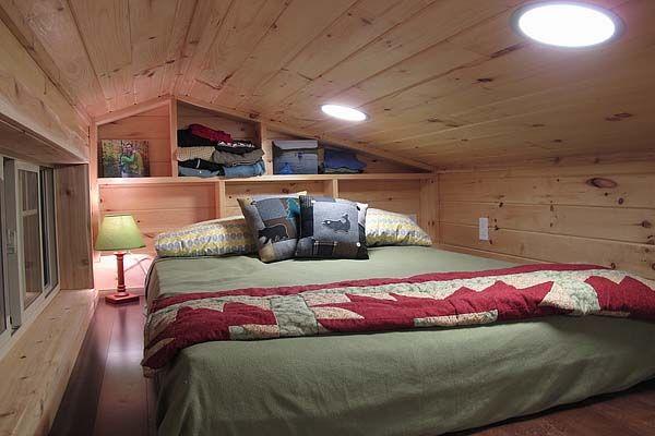 Maža kotedžo miegamoji vieta ant ratų Duck Chalet