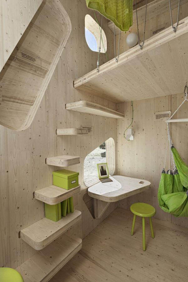 Mažo medinio namo kabineto