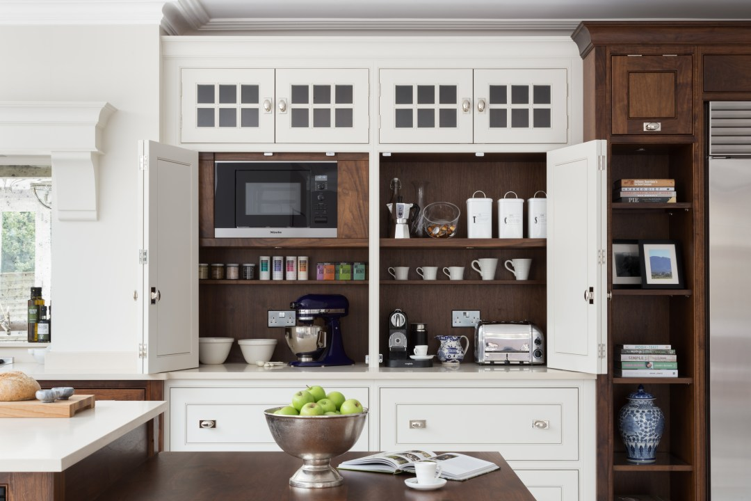 Wilton House - Luxury Painted Kitchen Brentwood - Humphrey Munson 4