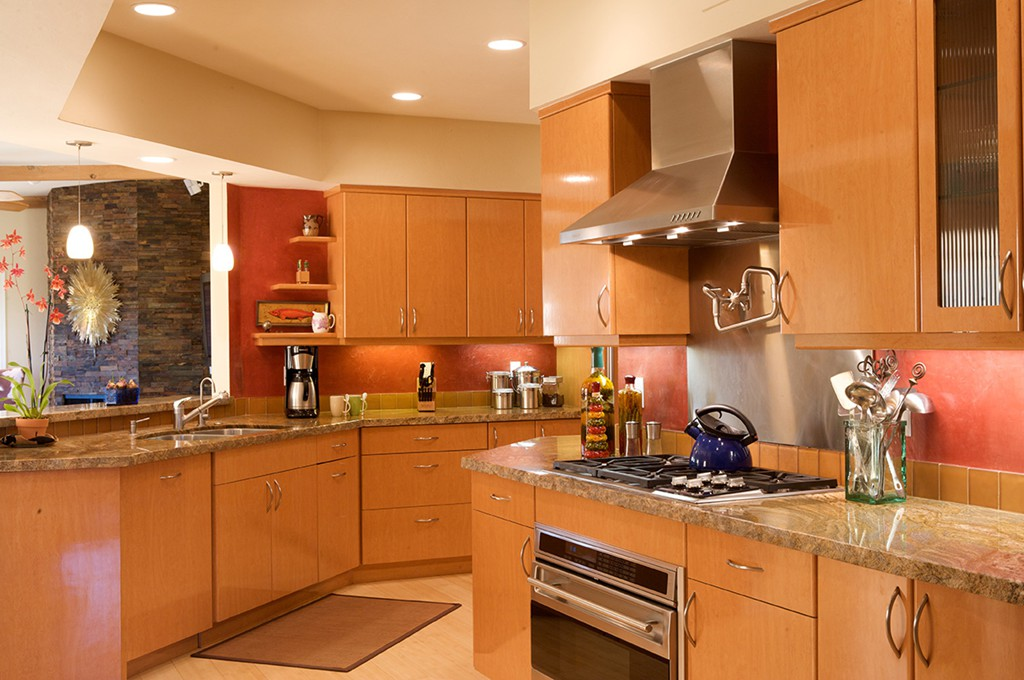 Kitchen remodels Tucson on Natural Maple Cabinets With Black Granite Countertops  id=60517