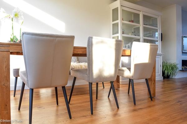 gestoffeerde stoelen