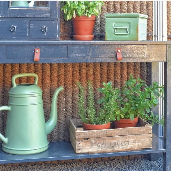houten kistjes in tuin