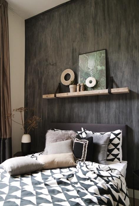 slaapkamer-klaas-hogeweg-houten-plank-boven-bed