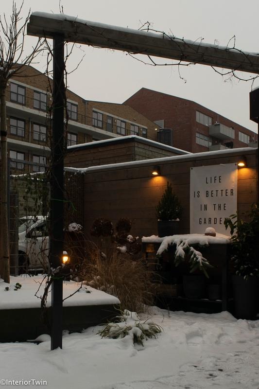 winter verlichting tuin buiten_