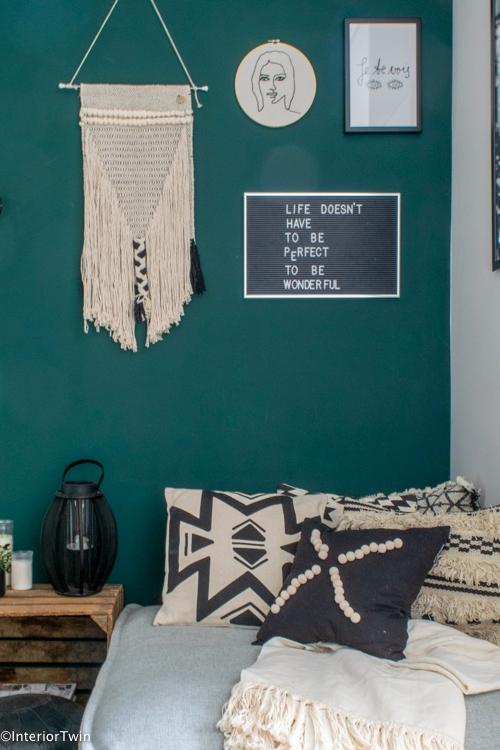 abstracte wanddecoratie in huis