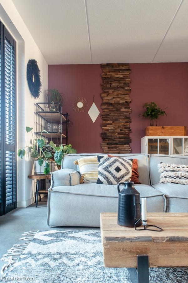 oud-roze-aubergine-muurkleur