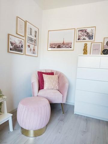 roze fauteuil a lot like lot