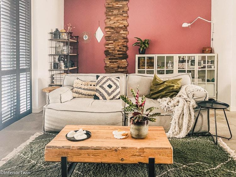 zithoek woonkamer stoer kleurrijk