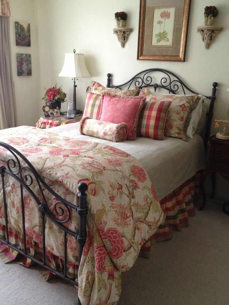 31 Fabulous Country Bedroom Design Ideas - Interior Vogue on Pictures Room Decor  id=75775