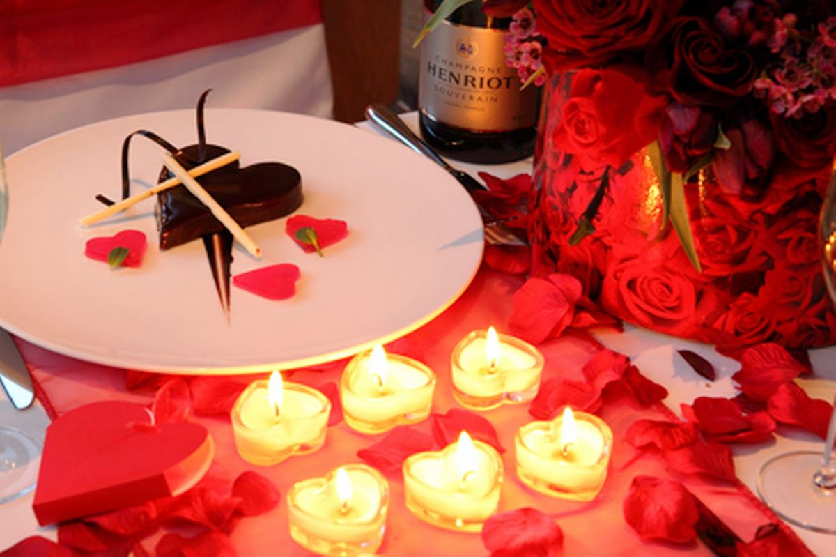 25 Nostalgic Valentines Table Decorations Ideas