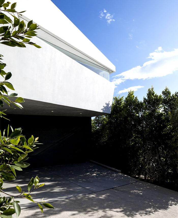 Sunny And Elegant Montee Karp Residence InteriorZine