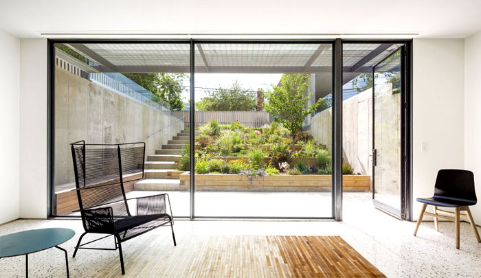3-living-room-ground-floor-rug-imitating-parquet