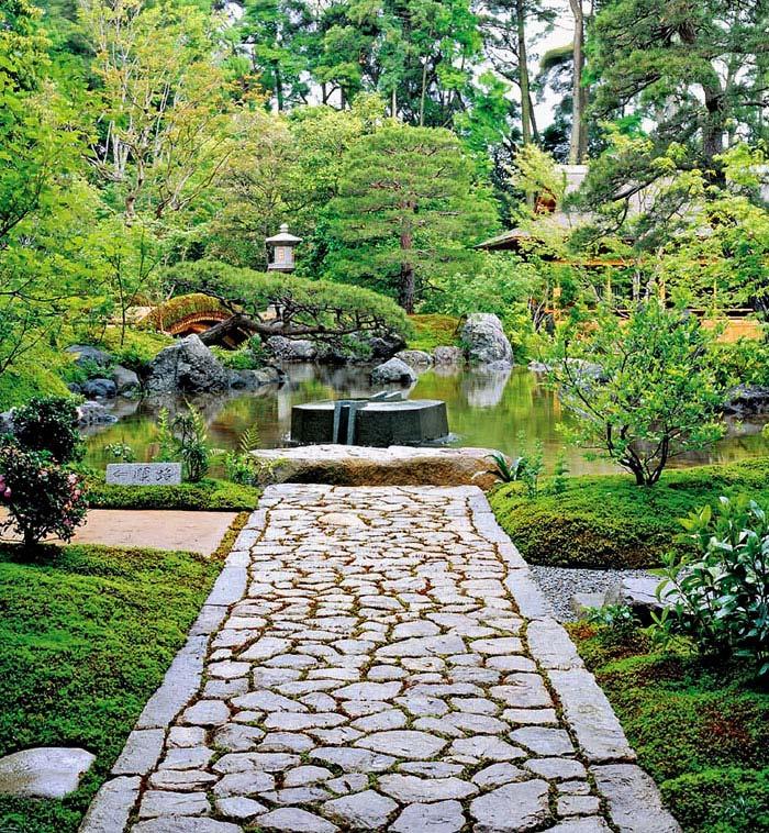 Zen Gardens & Asian Garden Ideas (68 images) - InteriorZine on Zen Garden Backyard Ideas id=61407