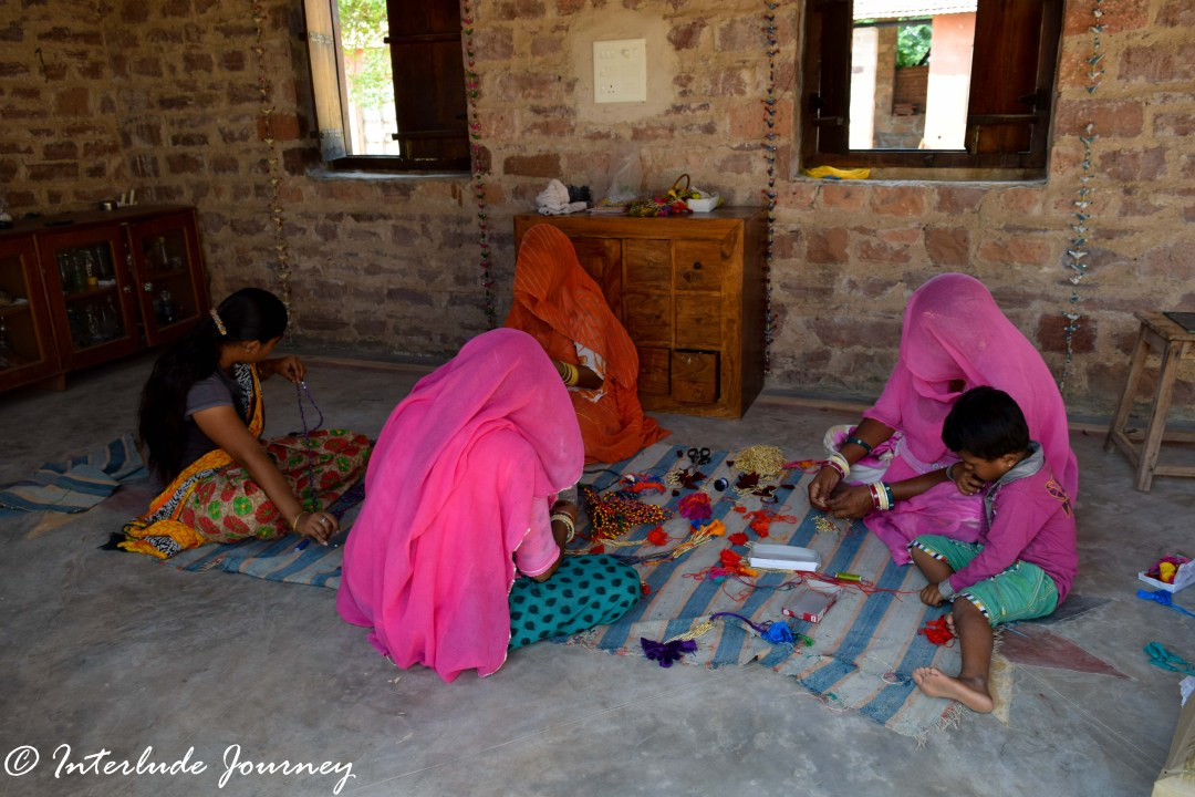 ladies at work at Sunder rang