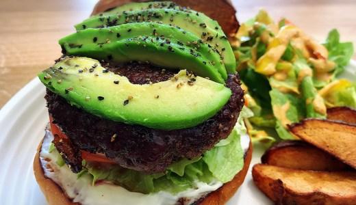 名古屋・千種区 池下の「The Burger Stand – N's -」のミディアムなハンバーガーが旨い!