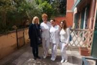 SKK Valdes priekšsēdētāja Marika Ģederte ar Robertu - galveno speciālisti Sejas un ķermeņa procedūrās.