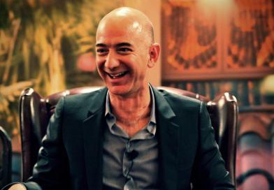 La carrera espacial de los multimillonarios tecnológicos: ¿a quién se enfrenta Jeff Bezos?