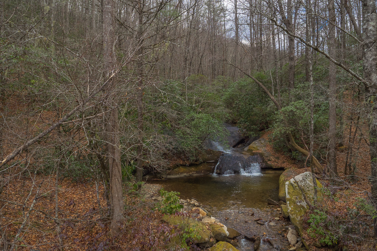 As you can see, it was quite overcast on this day, nice conditions for waterfall pictures. Interesting how I never noticed Rockhouse Falls before when driving past. Now that I know it's there, I will make a point of looking.