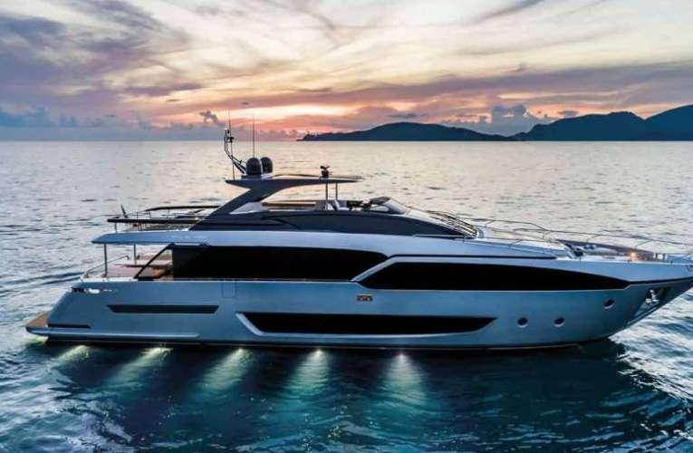 Gyurcsány folyami yachton tölti nyaralását…
