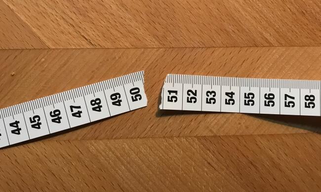 50 Jahre - und was nun? Papierzentimeter, der zerrissen ist