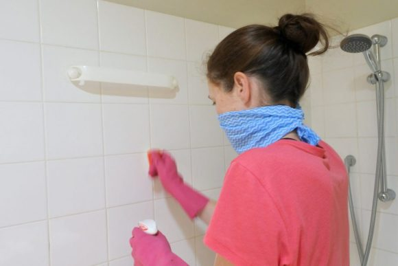 Gloves to Remove Soap
