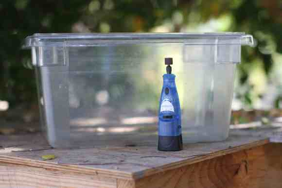 How-to-Cut-Plastic-Container