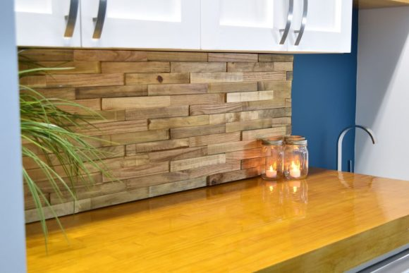 Reclaimed-Woods-as-Removable-Backsplash