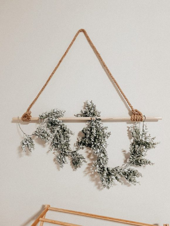 Minimal-Wall-Hanging-with-Faux-Plant