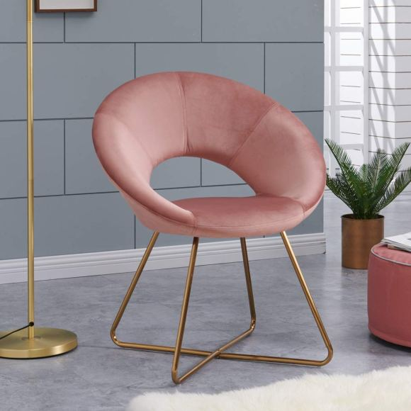 Pink-Slipper-Chair-for-Reading