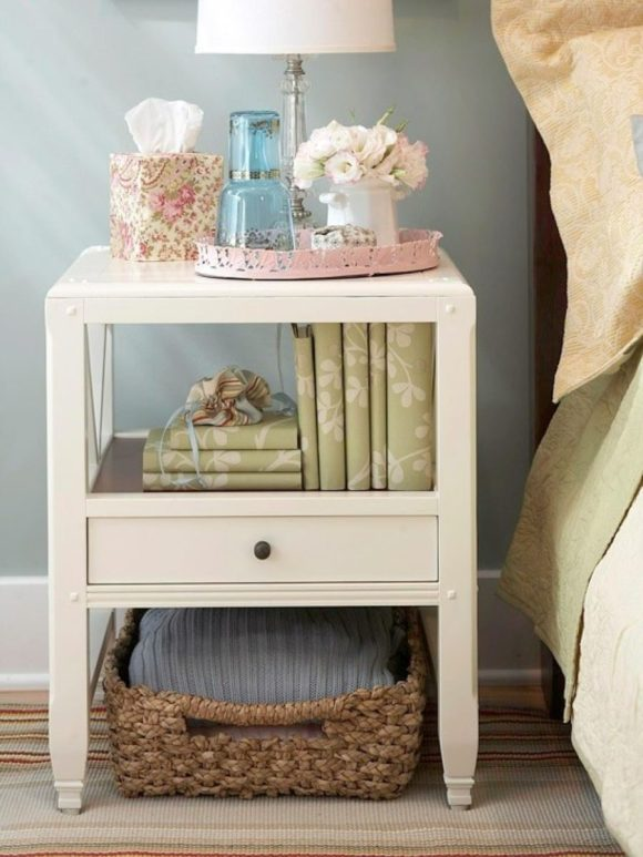 Shabby-Chic-Decoration-upon-Bedroom-Side-Table-with-Drawer